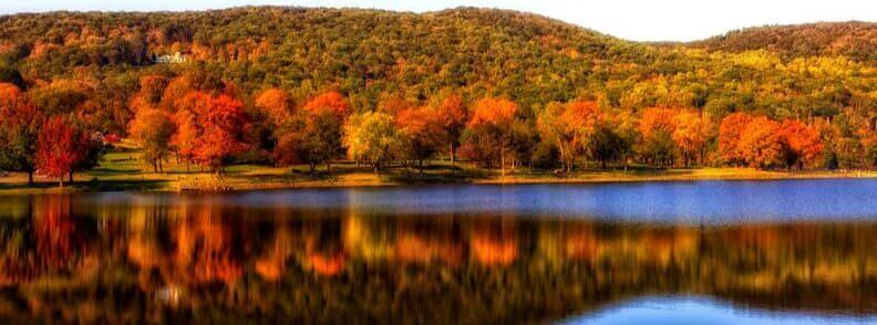 autumn season visit new england