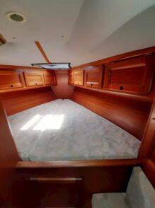 bavaria 35ft boat for sale in greece v berth