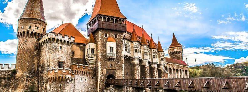 corvin castle hunyadi hunedoara reasons visit romania