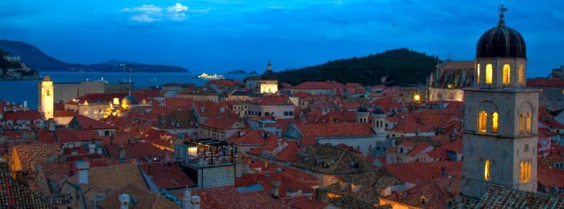 dubrovnik town harbor at night