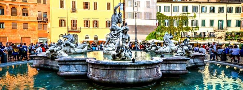 fontana del nettuno neptune fountain in rome