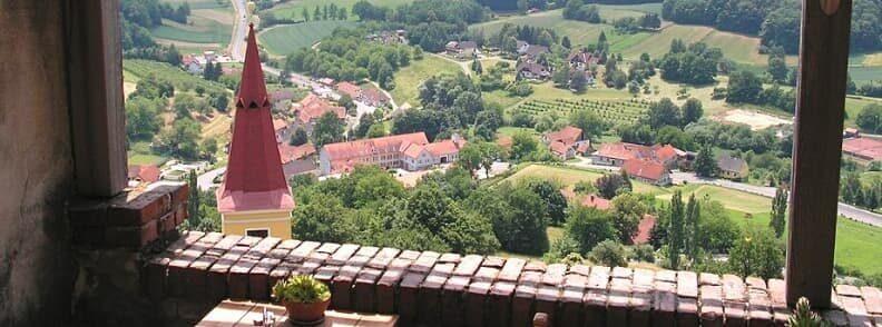 lunch schloss kapfenstein castle terrace