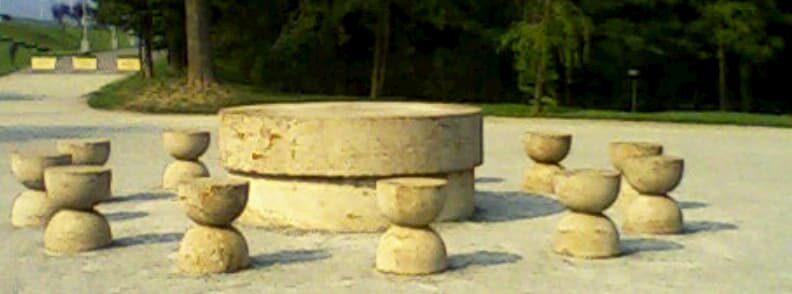 masa tacerii brancusi targu jiu reasons to visit romania