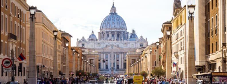 via della conciliazione walking from vatican city to trastevere